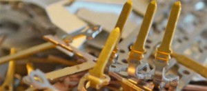 Edemetallrecycling vergoldeter-metallischer-Bauteile